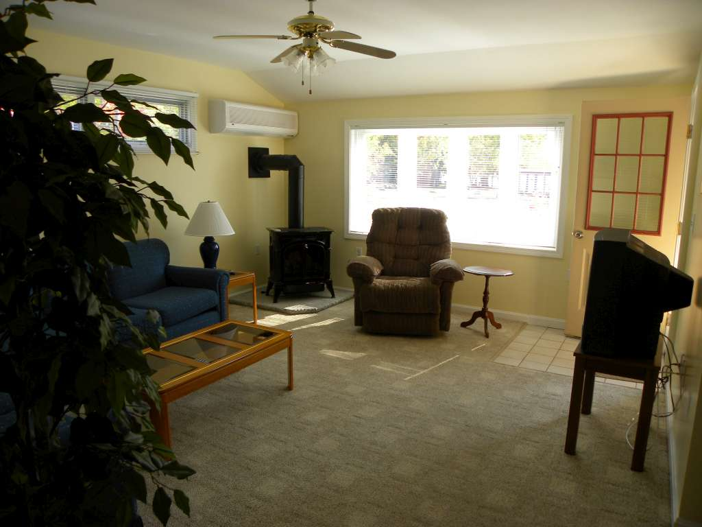 Apartment Rental - Totem Pole Park